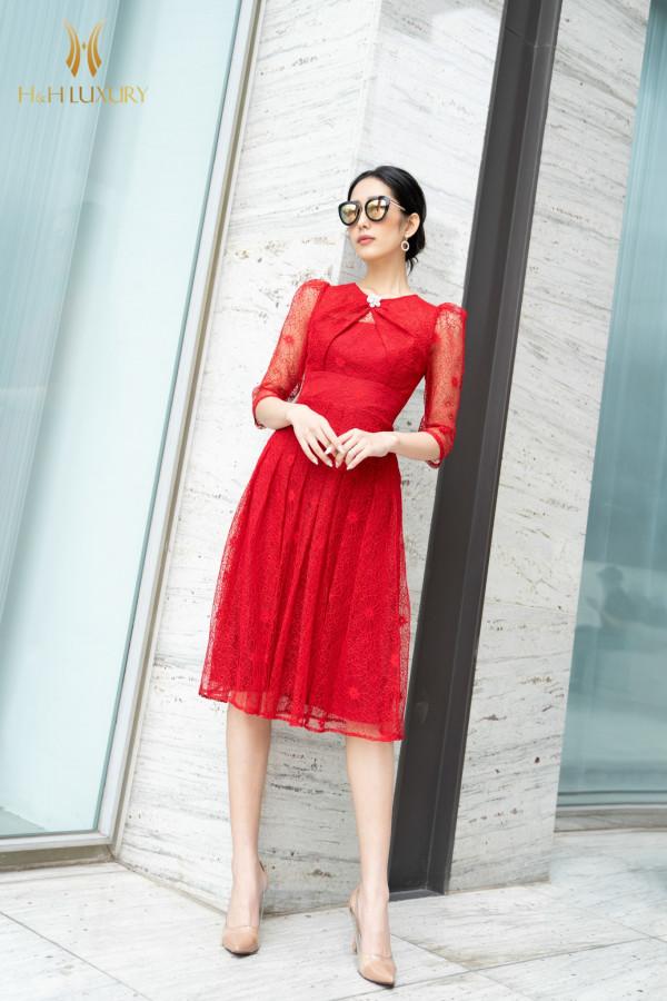 Đầm ren đỏ xòe