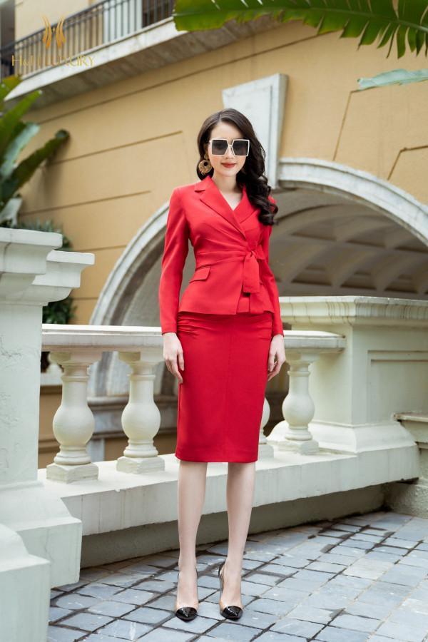 Áo vest đỏ nơ eo