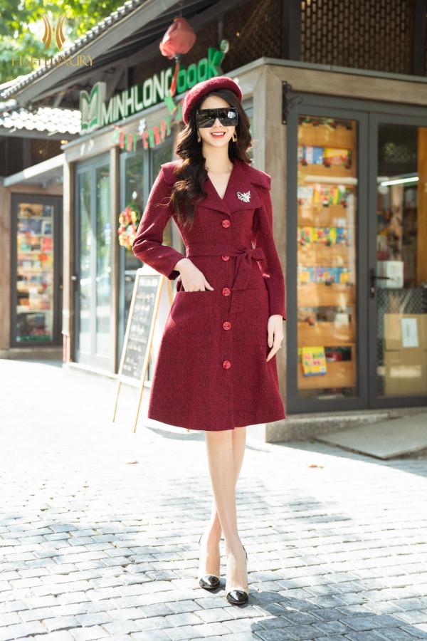 Áo măng tô đỏ đai eo
